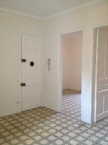 Estado reformado, pavimentos pulidos, carpintería y paredes pintadas, instalaciones completas.