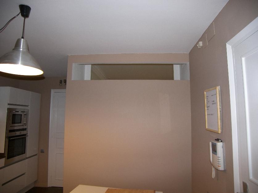 C mo ventilar habitaci n sin ventana en un piso alargado - Tabiques de cristal para viviendas ...